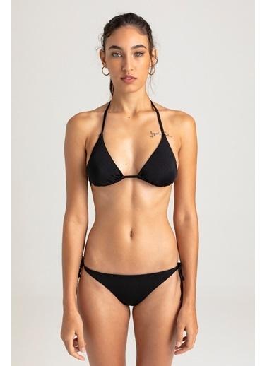 Vulevu Üçgen Örgü Sırt Bikini Siyah